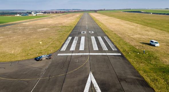 הדמיה של מסלול המראה בשדה תעופה ברמת דוד, צילום: stratosjets.com