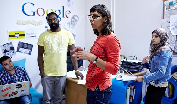 איליאנה מונטאוק, בוגרת הרווארד ויוצאת גוגל, ב־Gaza Sky Geeks. הקימה את המאיץ עבור גוגל והארגון ההומניטרי Mercy Corps, שהקציבו לו כ־900 אלף דולר, צילום: בלומברג
