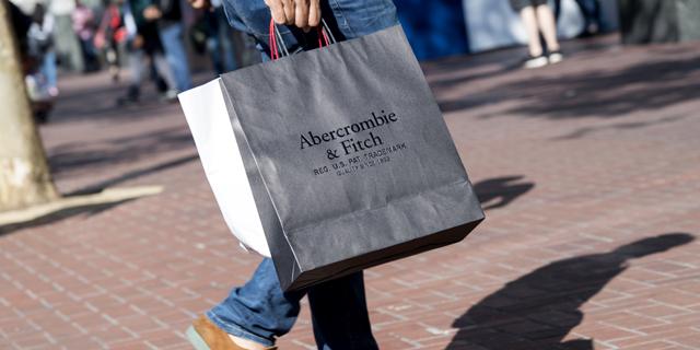 אברקרומבי היכתה את צפי השוק ופירסמה תחזית מפתיעה; המניה מזנקת ב-20%