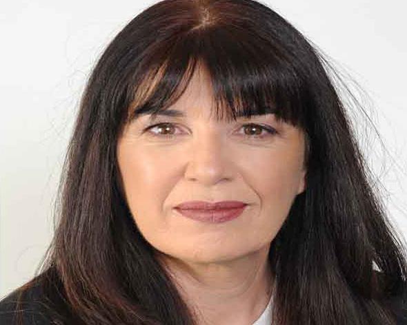 """עו""""ד אדריאנה שכטר, היועצת המשפטית של קבוצת אדלר"""