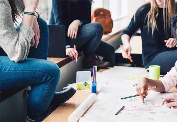 המחסור בדירות לצעירים הוביל את הממשלה לעודד חברות לפתח את שוק השכירות וליהנות מהטבות מס