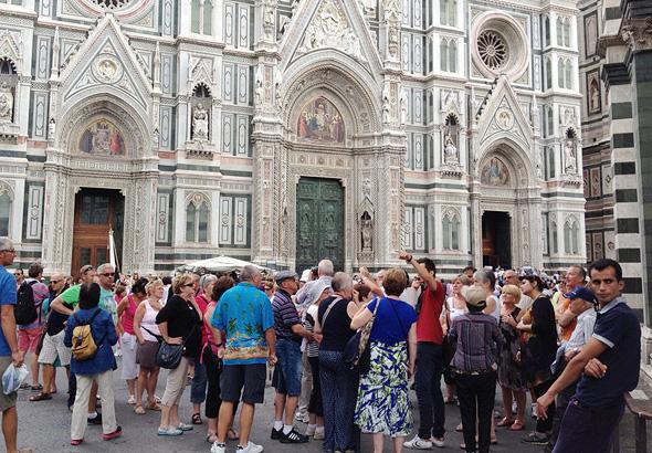 תיירים בפירנצה