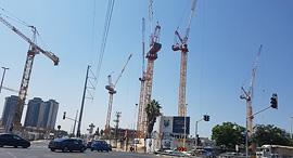 בנייה פתח תקווה אגורנים, צילום: דוד הכהן