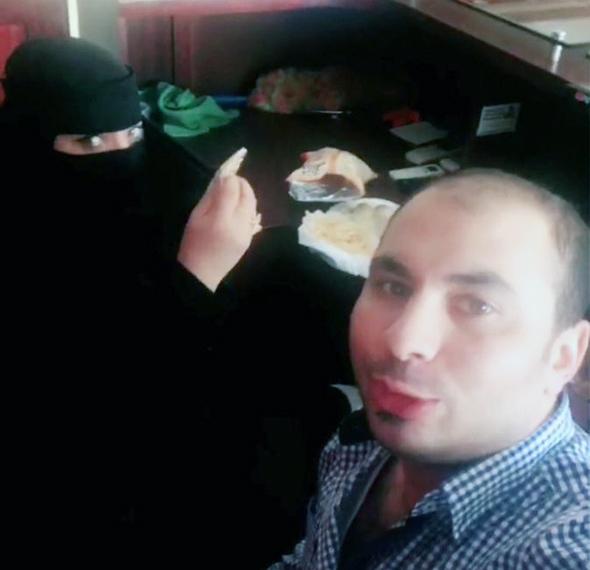 אסור לאכול ביחד, צילום מסך twitter