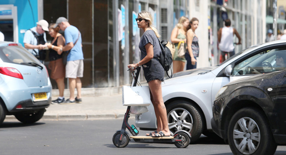 An electric scooter in Tel Aviv. Photo: Orel Cohen