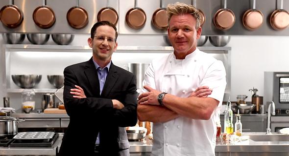 """מימין: השף רמזי מסט ומנכ""""ל נייס, ברק עילם"""