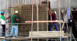 עובדים זרים פועלים זרים עובדים בניין עובדי בניין פועלי בניין, צילום: ג'רמי פלדמן
