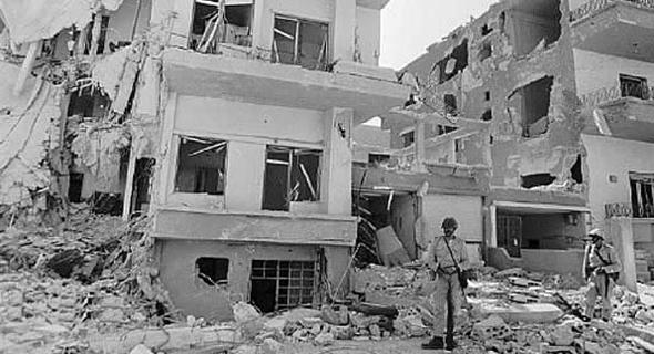 """הריסות המטכ""""ל הסורי לאחר התקיפה, צילום: Wikipedia"""