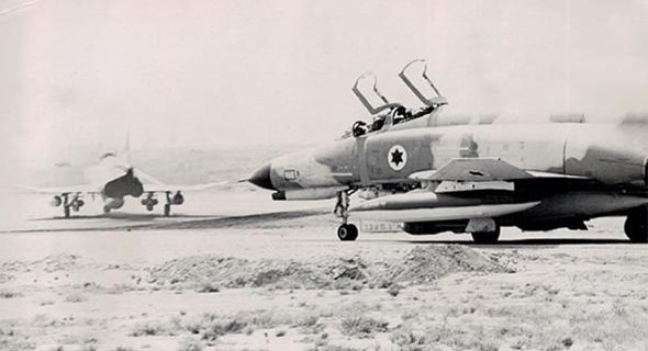 מטוסי פאנטום של חיל האוויר הישראלי נערכים להמראה, צילום: אתר חיל האוויר הישראלי