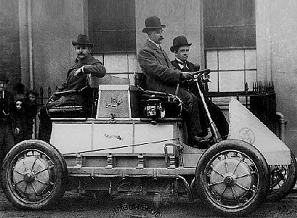 לוהנר-פורשה. חלוץ הרכבים ההיברידיים משנת 1900