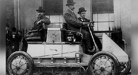 לוהנר פורשה חלוץ הרכבים היברידיים משנת 1900, צילום: פורשה