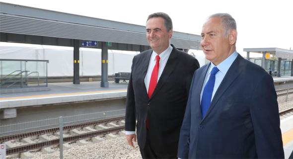 בנימין נתניהו ישראל כץ חנוכת תחנת ה רכבת קרית מלאכי-יואב , צילום: ששון תירם