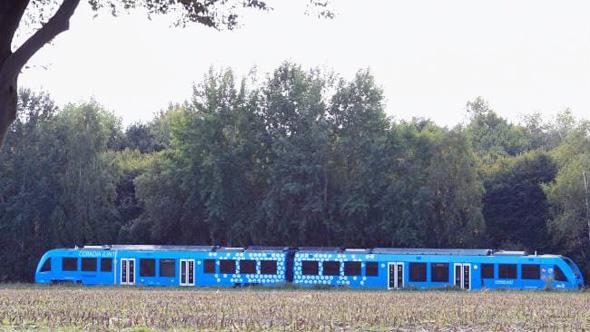 הרכבת בנסיעה, צילום: איי אף פי