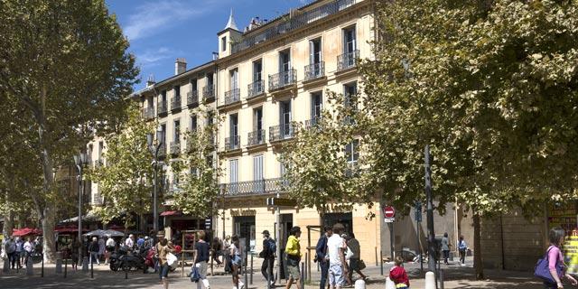התיירים הקפיצו את שכר הדירה באתונה ב־35%