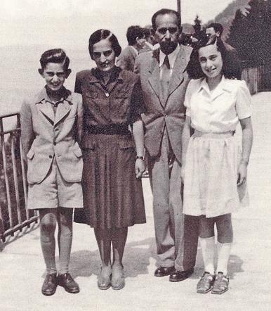 אדם הלר עם הוריו אפרים ובלנקה ואחותו אנני, בשוויץ, 1945