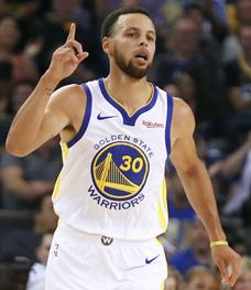 """קרי. """"השחקנים המובילים ב־NBA רואים את עצמם גם כמנהיגים"""" , צילום: אי.פי"""