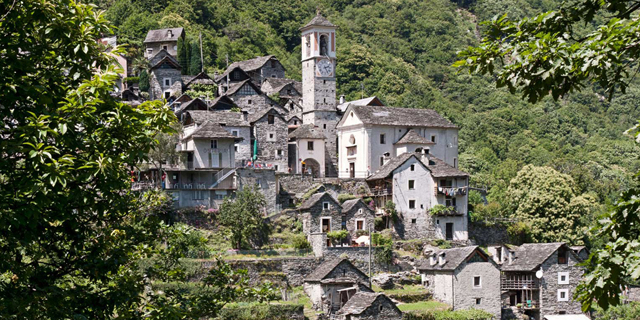 רוב התושבים עזבו וכפר שלם בשוויץ יהפוך לבית מלון