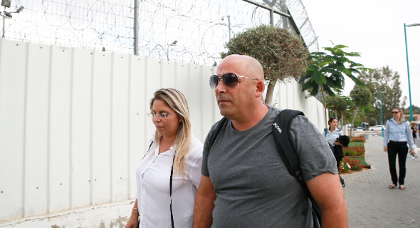 איתי שטרום נכנס לכלא, צילום: אביגיל עוזי