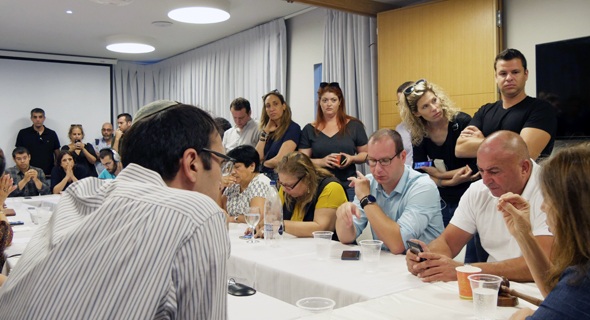 עובדי ערוץ 10 בישיבת מועצת הרשות השנייה