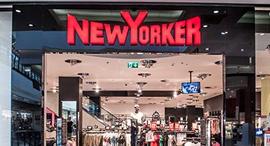 סניף של ניו יורקר. מותג שפונה בעיקר לצעירים עד גיל 35