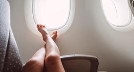 יחפים ב טיסה הסרת נעליים, צילום: שאטרסטוק