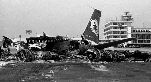 """מטוס נוסעים של חברה לבנונית, לאחר פגישה עם מטעני נפץ שהטמינו חיילי צה""""ל"""