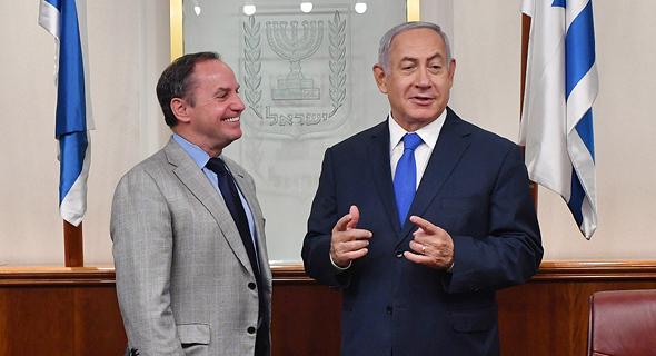 Intel's interim CEO Bob Swan (left), Israeli Prime Minister Benjamin Netanyahu. Kobi Gideon, GPO