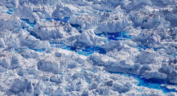 קרחונים נמסים בגרינלנד