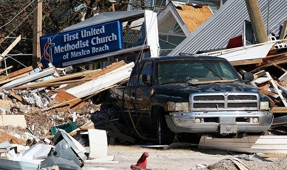 """נזקי אחד ההוריקנים בארה""""ב, צילום: רויטרס"""