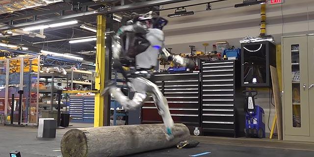 בקרוב באתגר הנינג'ה? הרובוט של בוסטון דיינמיקס כבר מתאמן