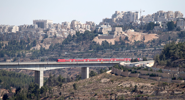 The express train in the Jerusalem mountains. Photo: Amit Shabi