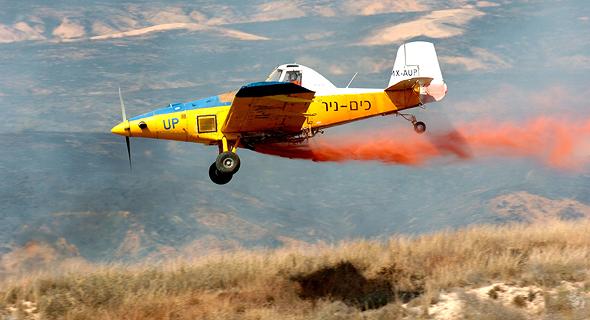 מטוס כיבוי של כים ניר, צילום: מאיר אזולאי