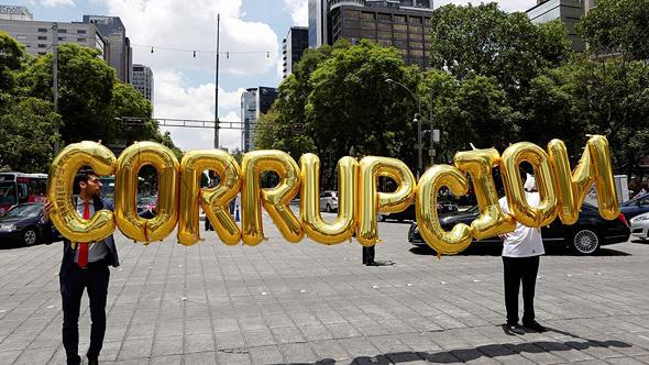 הפגנה נגד השחיתות במקסיקו, צילום: רויטרס