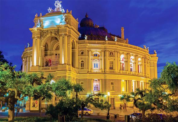 התיאטרון הלאומי לאופרה ובלט של אודסה. 2.5 מיליון תיירים בשנה