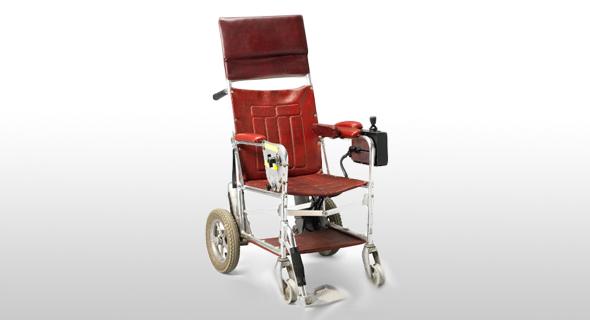 כסא הגלגלים ששימש בעבר את סטיבן הוקינג יכול להיות שלכם, צילום: Christy