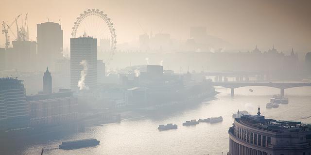 נוסעי אובר בלונדון יממנו רכבים חשמליים לנהגים
