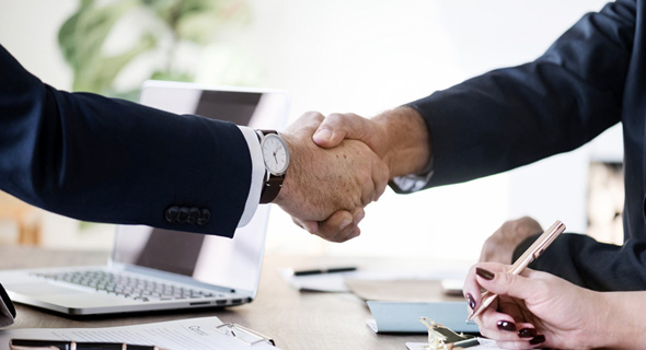 Handshake. Photo: Pixabay