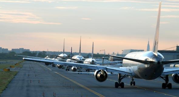 מטוסים על מסלול הטיסה