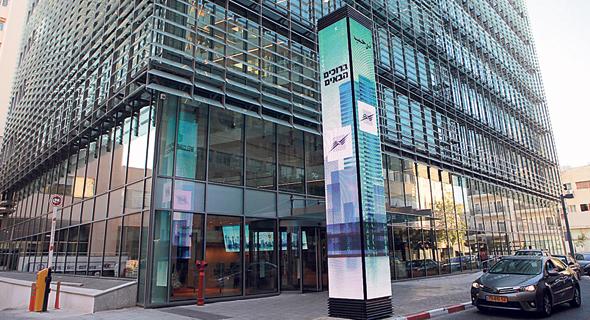 The Tel Aviv Stock Exchange. Photo: Orel Cohen