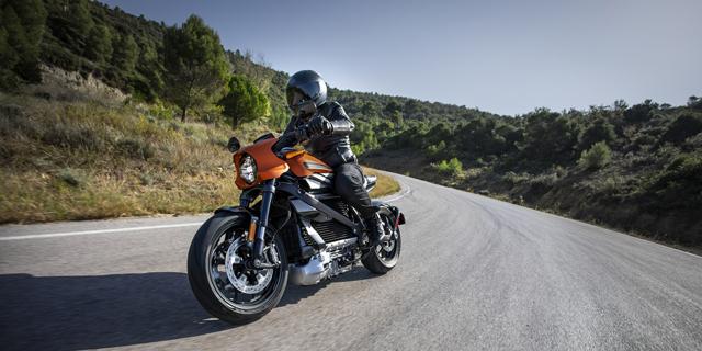 הארלי דיווידסון מציגה רשמית את האופנוע החשמלי הראשון