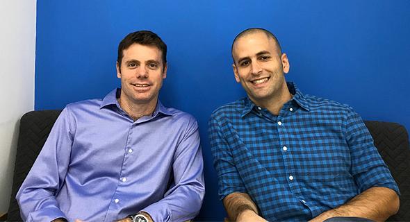 מתן סופר (מימין) ויואב שפריר, מייסדי מותג עירוני. כל בניין מספר סיפור