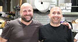 פנאי אייל לנגליב ו אריאל אוסלנדר בעלים של רשת מסעדות נאם, צילום: יאיר שגיא