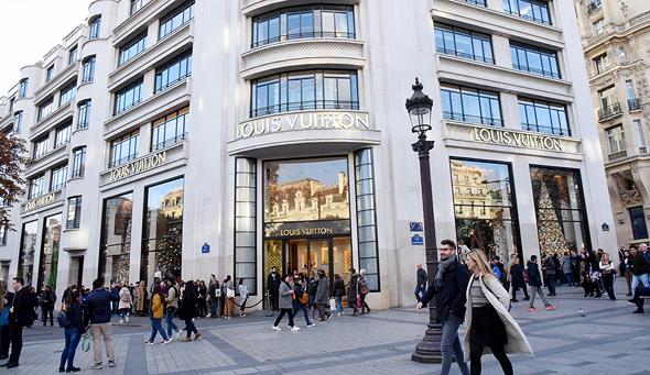 חנות לואי ויטון בפריז