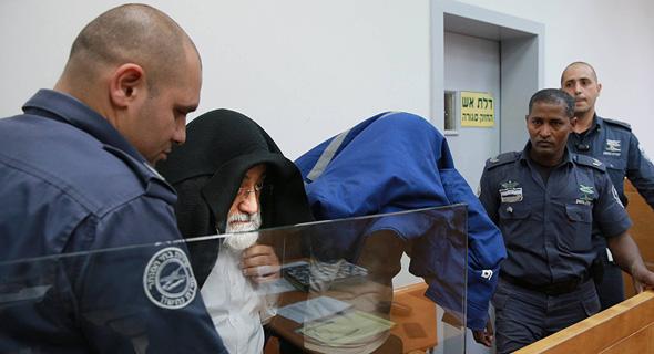 מימין זבולון לבייב וראובן שמואלוב בהארכת מעצר. ארכיון, צילום: אוראל כהן