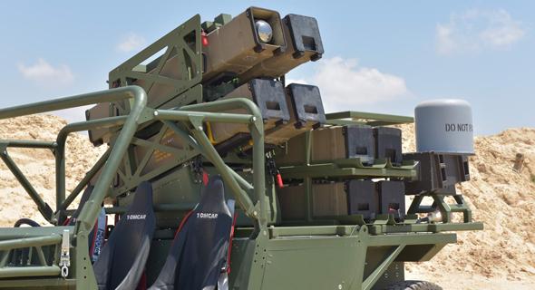 רכב תומקאר נושא שמונה טילי ספייק NLOS של רפאל. כלי הנשק נעשים חכמים יותר, אבל גם יקרים יותר