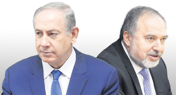 מימין: שר הביטחון אביגדור ליברמן ו ראש הממשלה בנימין נתניהו, צילום: אלכס קולומויסקי, עמית שאבי