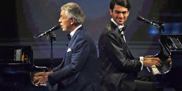 אנדראה בוצ'לי ובנו מתאו בהופעה: זמן לומר קאמבק