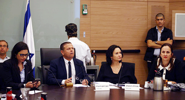 """מימין דינה זילבר ח""""כ איתן כבל ושרת המשפטים איילת שקד, צילום: אוהד צויגנברג"""