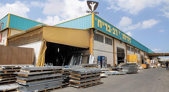 מפעל רב בריח באשקלון שאותו יחליף המפעל החדש