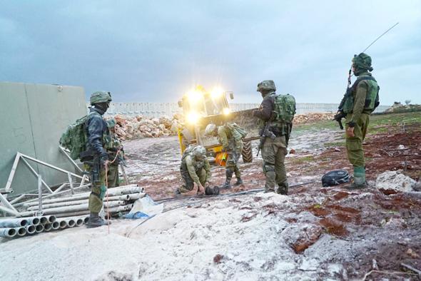"""פעילות צה""""ל לחשיפת ונטרול מנהרות חיזבאללה בגבול הצפון"""